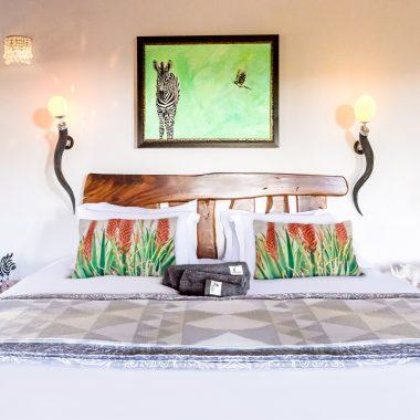 Idwala View Accommodation Zebra Room, Self-Catering, 5 Star, Luxury Mabalingwe Lodge