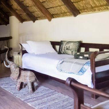 Idwala View Accommodation Elephant Room, Self-Catering, 5 Star, Luxury Mabalingwe Lodge