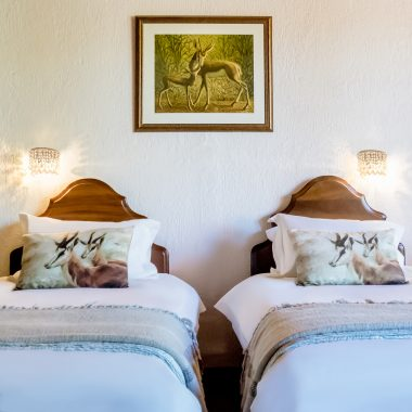 Idwala View Accommodation Impala Room, Self-Catering, 5 Star, Luxury Mabalingwe Lodge