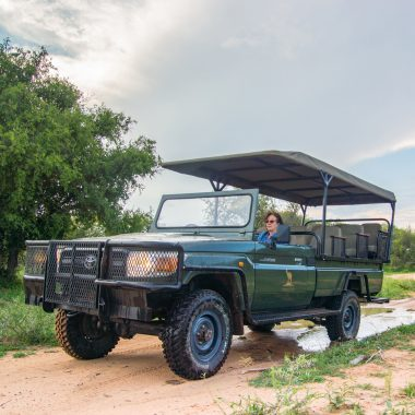 Safari Vehicle Game Drives Idwala View, Self-Catering, 5 Star, Luxury Mabalingwe Lodge