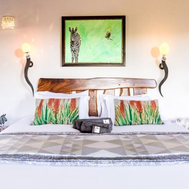 Idwala View Accommodation Zebra Room, Self-Catering, 5 Star, Luxury Mabalingwe Lodge